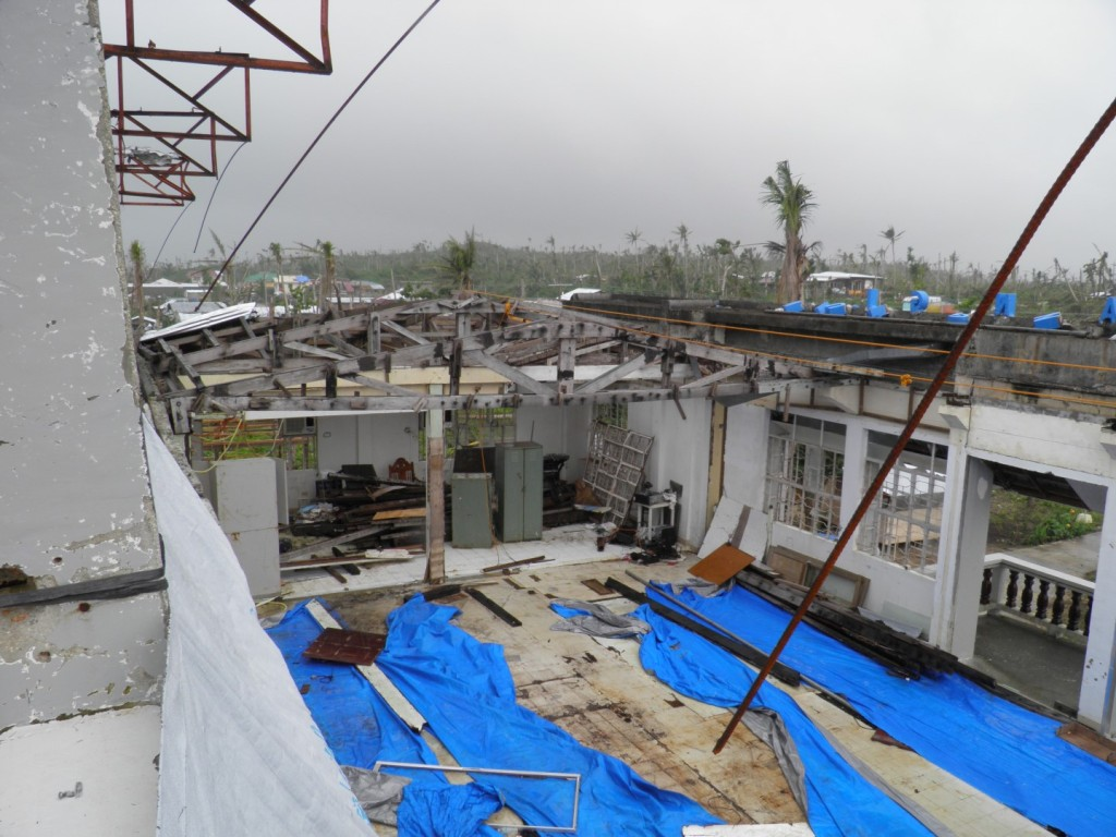 3-Guiuan-Heavily-damaged-Munipal-H.Q.-City-Hall