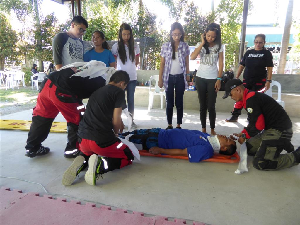 Basic Life Support Training for Rotaract Carmona