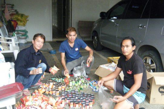 Christmas Giving in Barangay Kaytitinga, Alfonso